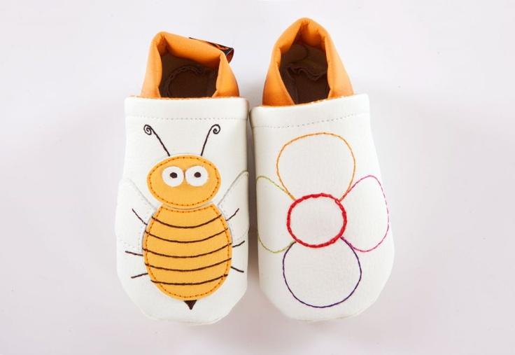 Méhecske cipő by http://www.breslo.hu/Caracolbaby/shop