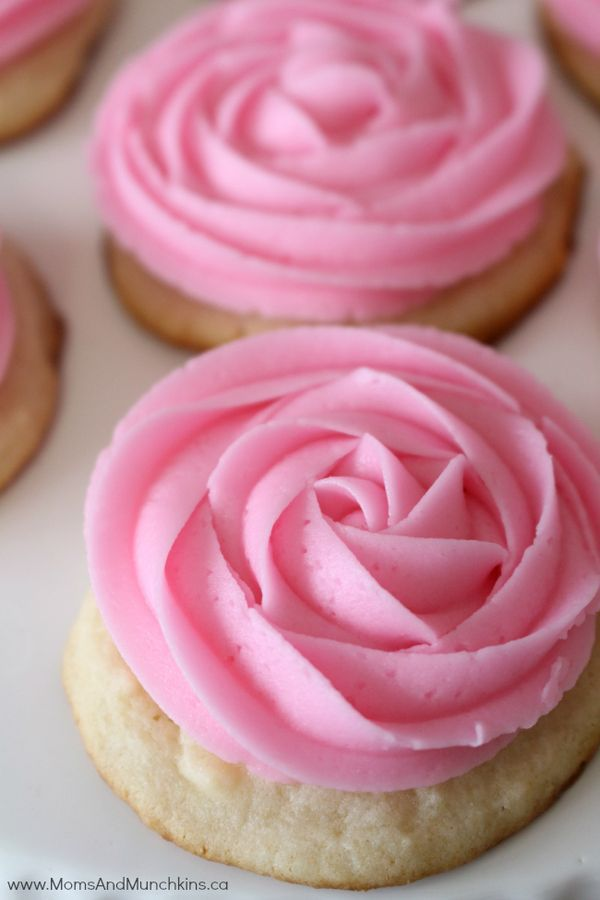 Pink Lemonade Recipes - Pink Lemonade Cookies, Cake, Icing and more! Great summer party desserts!