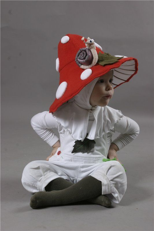 OMG this is sooooo cute! I imagine it as part of a little woodland themed group with some dressed as fairies and gnomes.