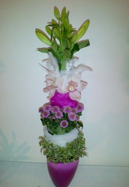 Tall centerpiece - Lilly, Cymbidium, Santini