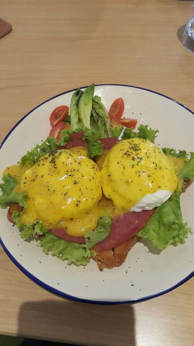 Egg benedict  #food #eggbenedict