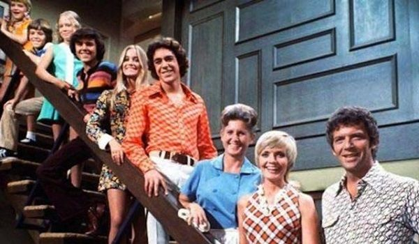 Four cast members from America's favorite fictional blended family, The Brady Bunch, recently reunited on the Today show to honor their late co-star Florence Henderson, and it was absolutely heartwarming. Watch Barry Williams (Greg), Christopher Knight (Peter), Mike Lookinland (Bobby)...
