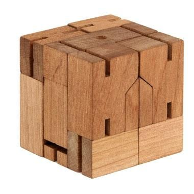 cubebot, medium (natural wood) | Galerie CO