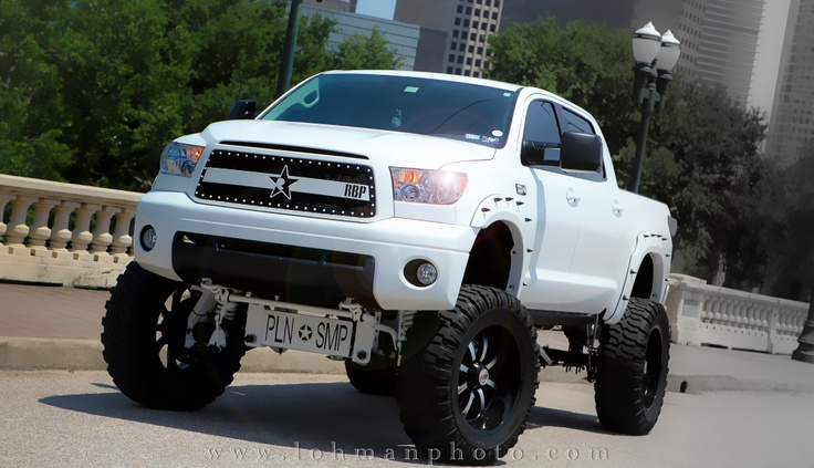 2011 Toyota Tundra / Bulletproof Suspension / dr006dr