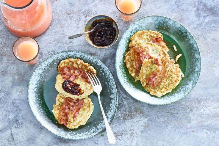 Jéééj: ontbijten met pannenkoeken! Met stiekem ook nog een klein beetje verstopt in de pannenkoek. - recept - Allerhande