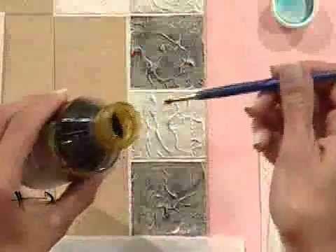 Mesa reciclada con imitacion de cerámicas texturadas