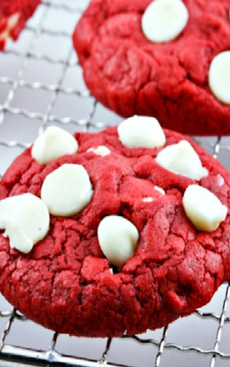 Red Velvet White Chocolate Chip Cookies. These cookies have just the right amount of chocolate, are tender and chewy. And oh the color!