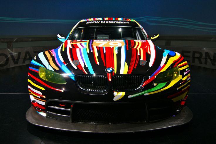 Museo BMW en Munich. Quiere transformar su auto en algo similar Lo puede hacer con la pintura luminiscente para metal de empresa Acmelight. ww.acmelight.la