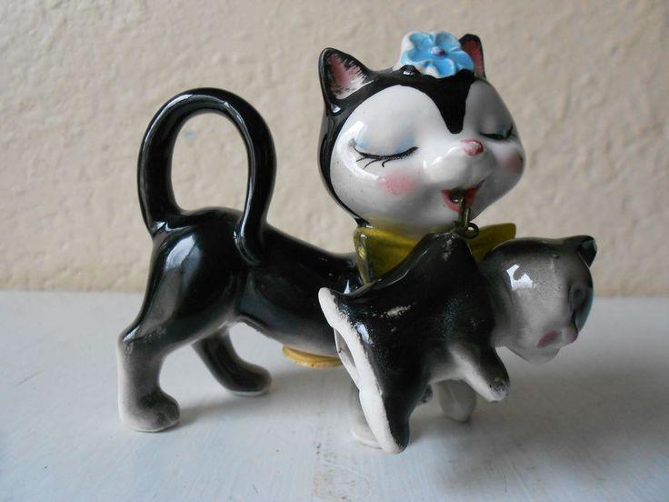 Vintage Mom cat & Kitten Salt & Pepper Shakers~