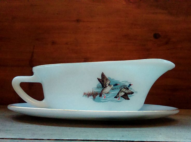 Wildfowl pyrex gravy boat and drip tray, Wildfowl pyrex gravy jug, Ducks pyrex gravy boat, Ducks pyrex gravy jug, Mallard pyrex gravy boat by StrawberryfVintage on Etsy