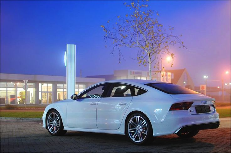 The apt setting for a star performer.  #Audi #RS7 #performer #white #starperformer