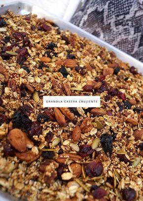Los ingredientes perfectos para una granola casera crujiente.