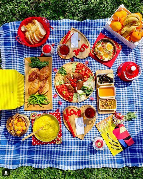 Herkese #Günaydın Herkes için güzel bir gün olsun Birlikte #kahvaltı yapmak istediklerinizi etiketleyin.❤️ @geniselmutfagi #mutfakgram #hayatburada #lezzetlerim #sunumduragi #tarifsunum #lezzetli_tariflerle #gurmegram #lezzetkareleri #sizinsunumlar #lezzetligram #eniyilerikesfet #mutfaktaask #yemekrium #lezzetligram #tarifsunum #supermutfak #hayatimmufak #fikrimolsun #enguzelsunumum #sahanelezzetler #mukemmellezzetler #yemekrium #eniyisunum #tarifdefterimiz #sunumduragi #mucizetatlar