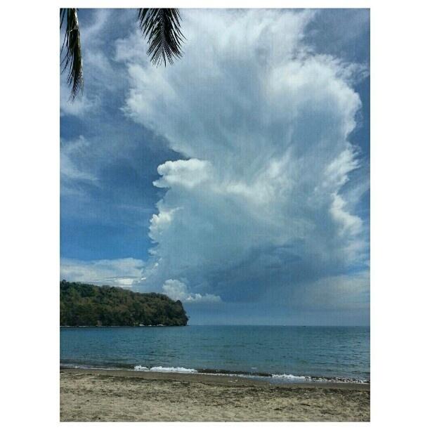 #ビーチ #夏#blue#sky#clouds##swimming#hot#summer#philippines#海水浴#フィリピン#空#雲