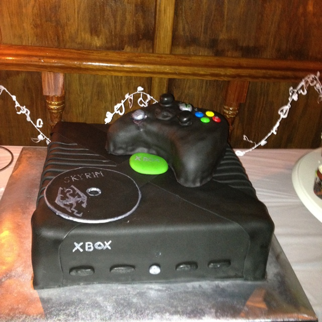 xbox wedding cakes 34 best amp silver wedding images on wedding 27676
