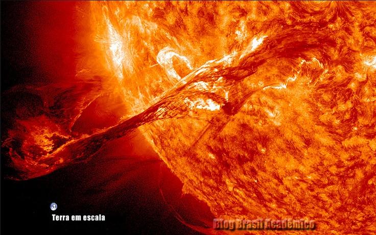 Emissão de massa coronal bela e assustadora em vídeo