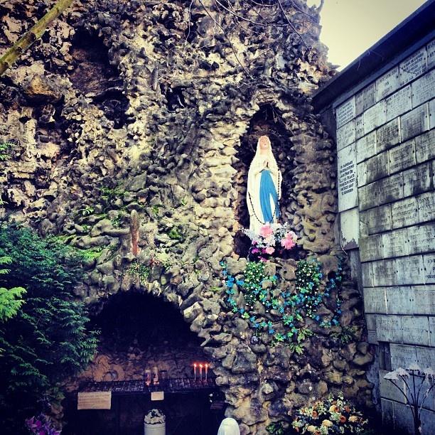 #maastricht #mestreech #sintpieter #sintpietersberg #kapel #maria #katholiek #catholic - @alainmestreech- #webstagram #mtricht #univercity #lourdes