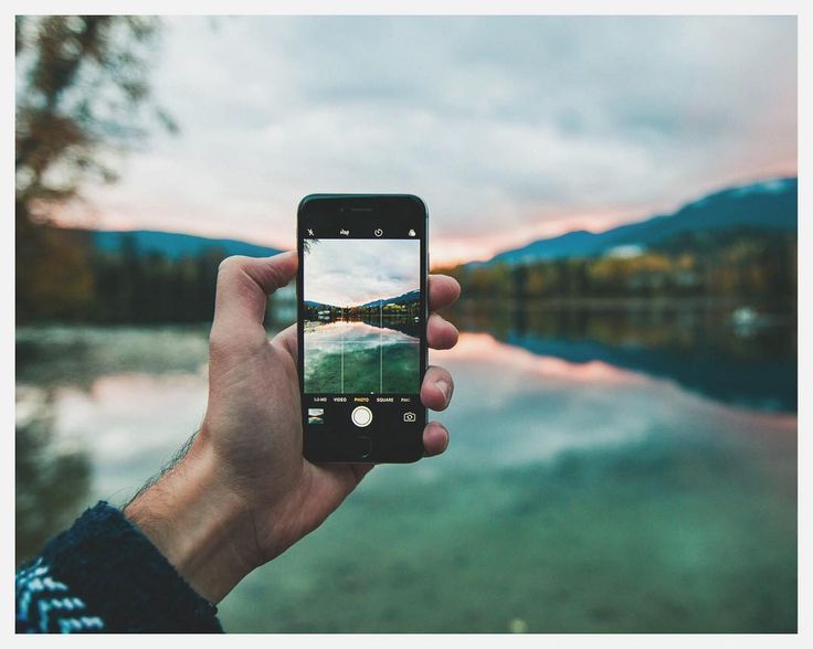 My old and loyal iPhone 6 by the lake of Blue river in British Columbia.  I remember how impressed I was by the camera when they release that model.. Since then replaced by an iPhone X.  Again favourite feature => the camera!
