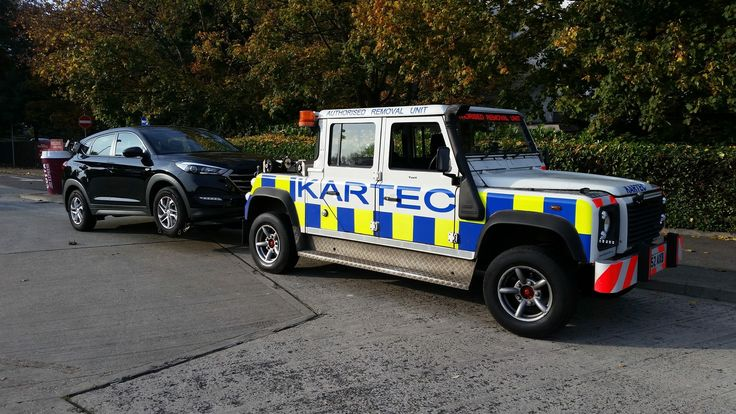 Land Rover Defender 130 towing