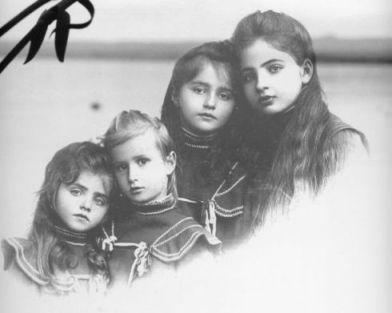 """Dal 2 al 9 aprile in Palazzo Antonini sarà possibile visitare la mostra fotografica """"Il genocidio dimenticato. Gli italiani in Crimea""""."""