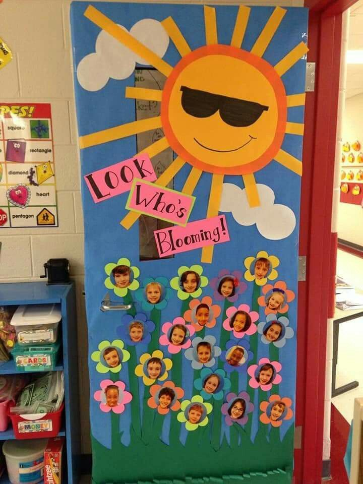 Pin By Reinelda Vittori On Activities School Door Decorations Spring Classroom Door Door Decorations Classroom