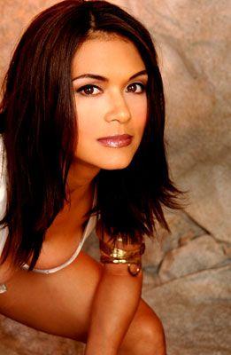 Nia Peeples-singer- actress