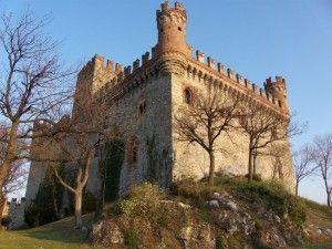 Castello di Montalto Dora - Piemonte, Italia. 45°29′00″N 7°52′00″E
