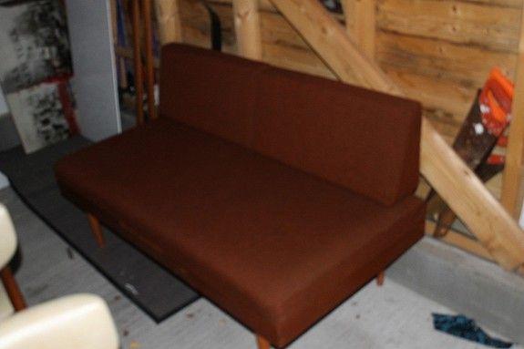 Svane, liten sovesofa 160 cm fra Ekornes. Pris kr. 700,-