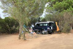 Camping auf Korsika - http://www.giraffe13.de/2015/11/01/camping-auf-korsika/ - … hat uns eindeutig überzeugt: wir hatten ausnahmslos schöne Stellplätze, meist locker parzelliert, so dass man auch ein bisschen Privatsphäre hat. Die Sanitäranlagen waren flächendeckend mindestens gut oder besser, aber stets ohne Klobrillen und Klopapier. Überall gab es zum Frühstück frisches Baguette und Croissants. Einziges Manko auch hi
