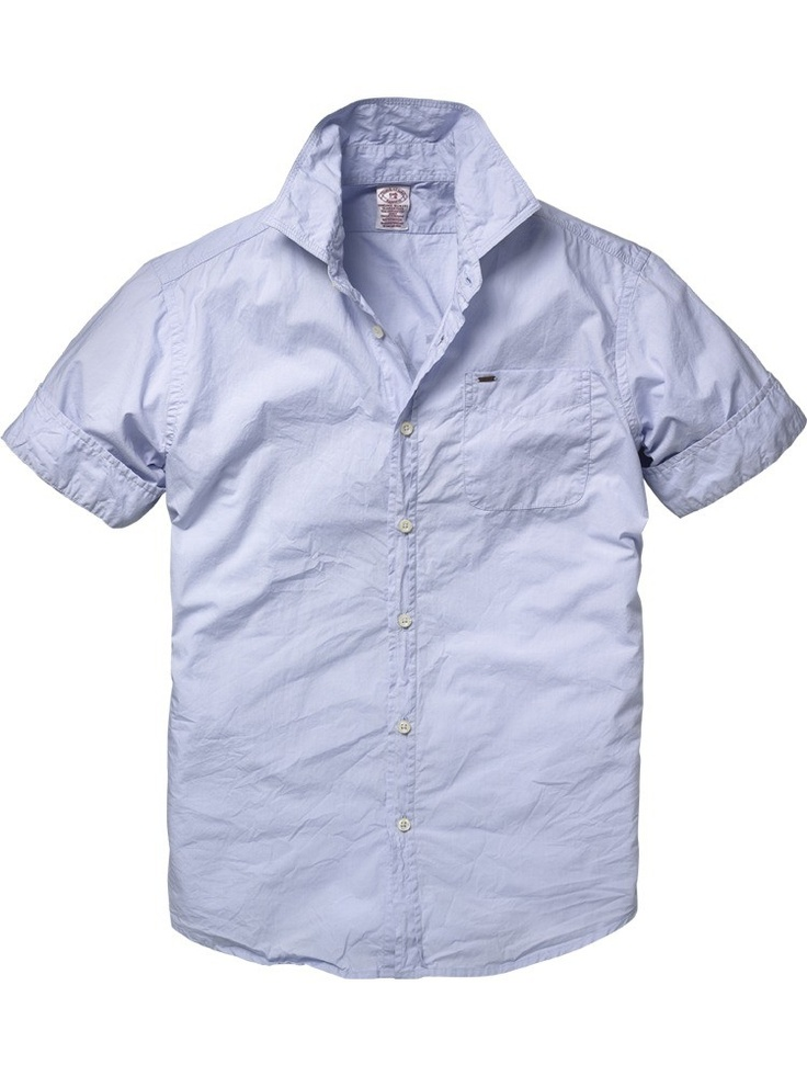 Short-sleeved summer shirt with artwork on the back from Scotch & Soda; € 59,95