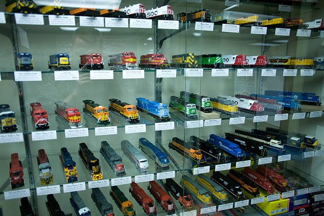 model train sets | ... . Model Trains and Hobbies in Madison, Wisconsin. Lionel Train Sets