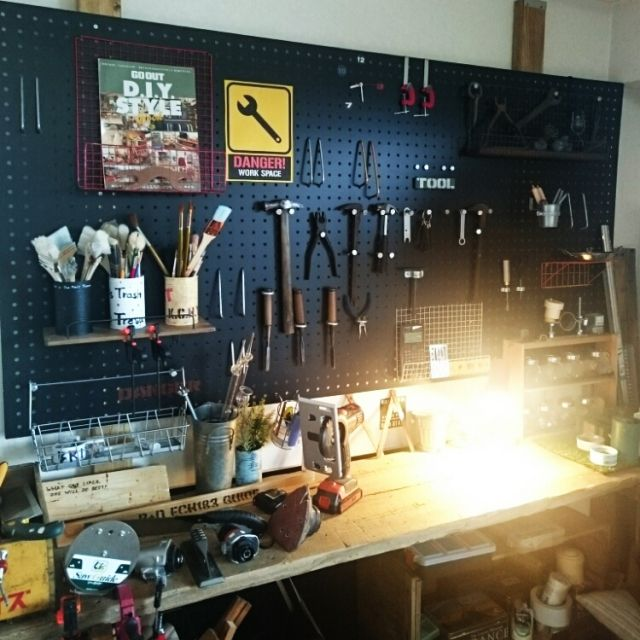 komokenさんの、足場板テーブル,工具オブジェ,金網錆び加工,有孔ボード,DIY,木工,男前,壁/天井,のお部屋写真