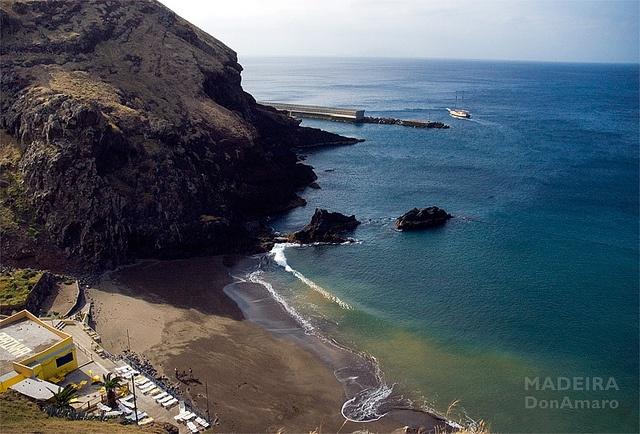 Prainha, Madeira's natural black sandy beach. Location: Ponta de São Lourenço - Madeira Portugal