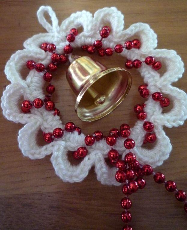 Glöckchenhänger mit Perlenkette für di Weihnachtsdekoration (Recycling)... Christmas hanger hooks