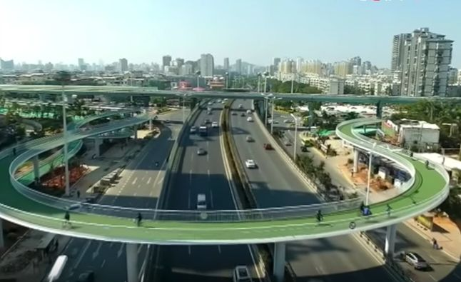 The impressive 'cycling skyway' in Xiamen, China, stretches nearly 5 miles and is only open to bike commuters.