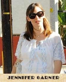 Jennifer Garner loves traditional Romanian blouse
