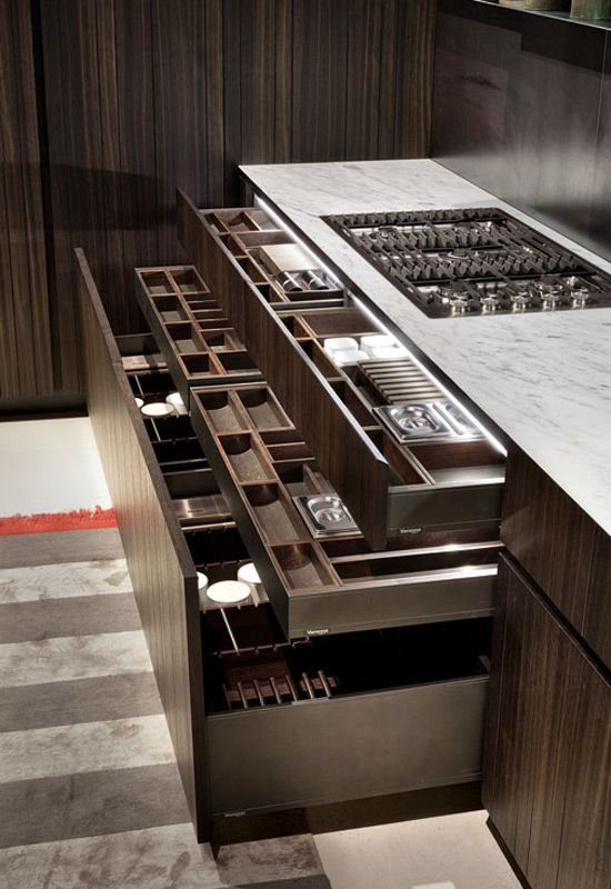 Like: Drawer within a drawer makes good use of vertical space.