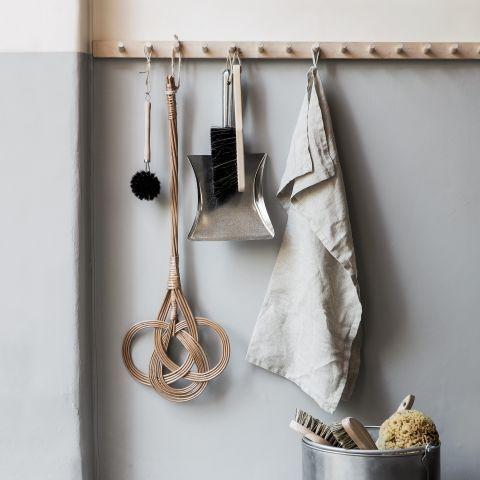 garderobenleiste holz flur pinterest garderobenleiste holz holz und diele. Black Bedroom Furniture Sets. Home Design Ideas