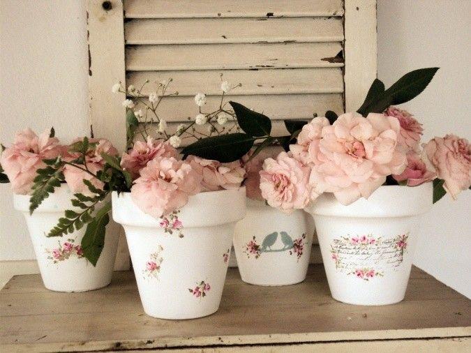 Macetas n° 10 totalmente pintadas a mano con motivos de rosas. Impermeabizadas por dentro y por fuera