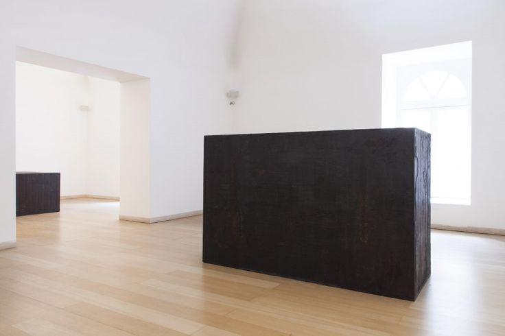 Richard Serra, Giuditta ed Oloferne, 2005. Museo Madre, Napoli. Photo (C) Amedeo Benestante