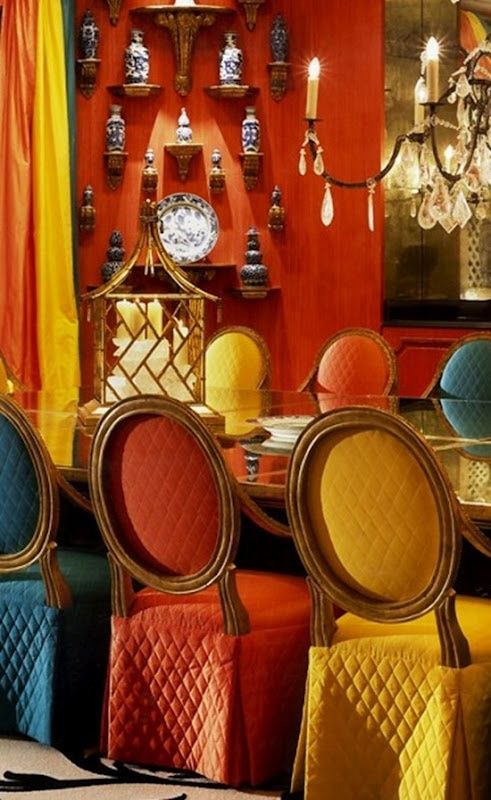 Bold palette for a colorful dining room #interiordesign - More wonders at www.francescocatalano.it
