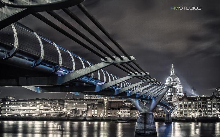 Millenium Bridge, with St Paul's cathedral