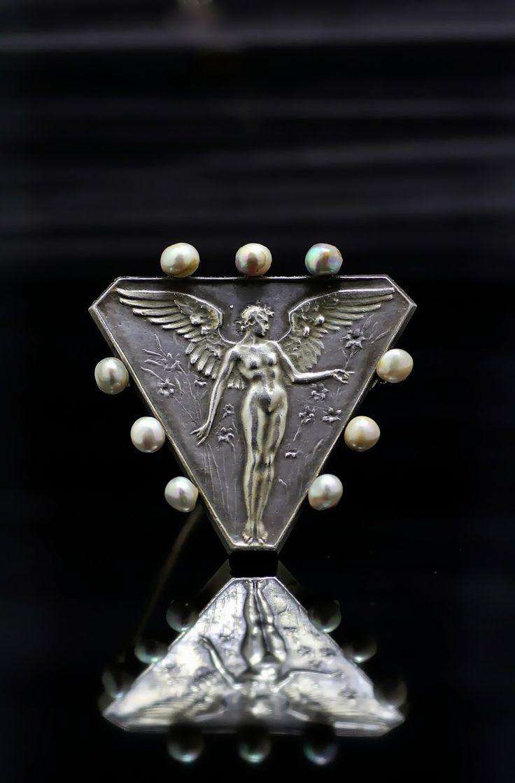 Rene Lalique silver brooch circa1900 (C)Regard Co.,Ltd