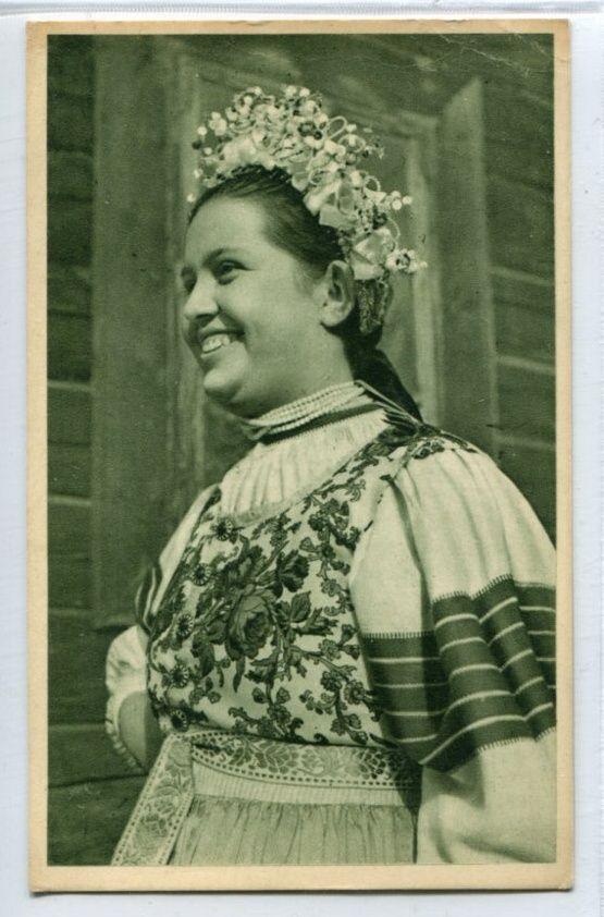 Lendak - dievca s vienkom, Slovensko