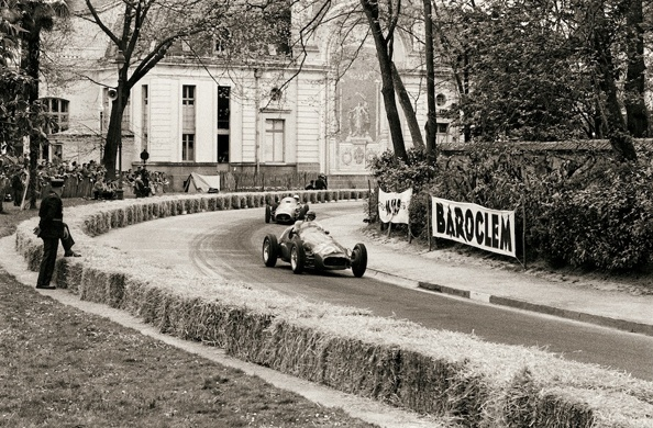jesse alexander maseratis at pau grand prix france 1955. Black Bedroom Furniture Sets. Home Design Ideas