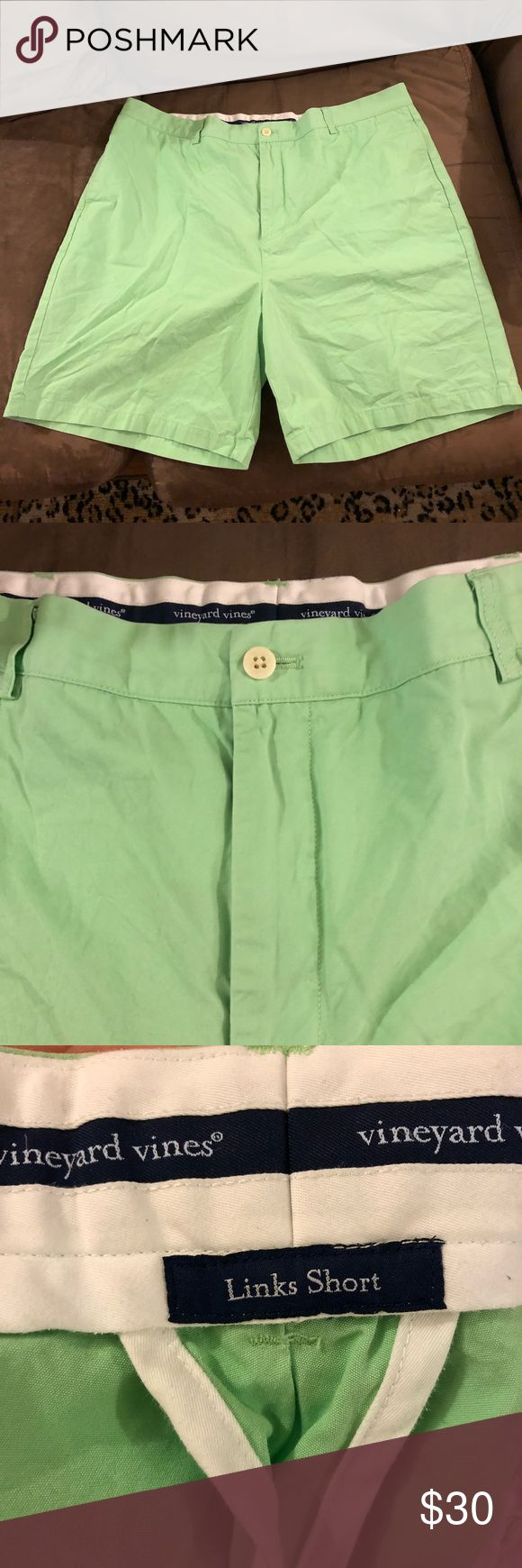 Vineyard Vines Lime Green Shorts Size 42 Vineyard Vines Solid Lime Green Link Shorts Size 42! Great condition! Flat Front! Please make reasonable offers and bundle! Ask questions! Vineyard Vines Shorts Flat Front