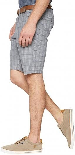 Tom Tailor Bermuda Travis Reguler Brand : Tom Tailor Bahan : 97%cotton 3%elastane Size : 32(Lp 89-90cm) Made In Indonesia