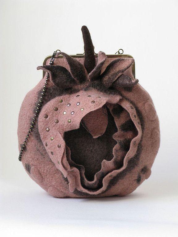"""сумочка """"STRAWBERRY"""" - шерсть,войлок,сумка,Сумки,бледно-розовый,шерсть"""