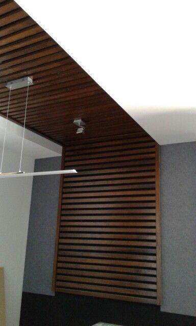 Plafon de louvers de madera