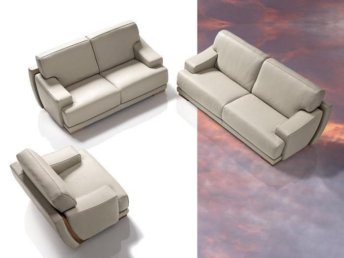 Italian Sofa Set In Grey Leather